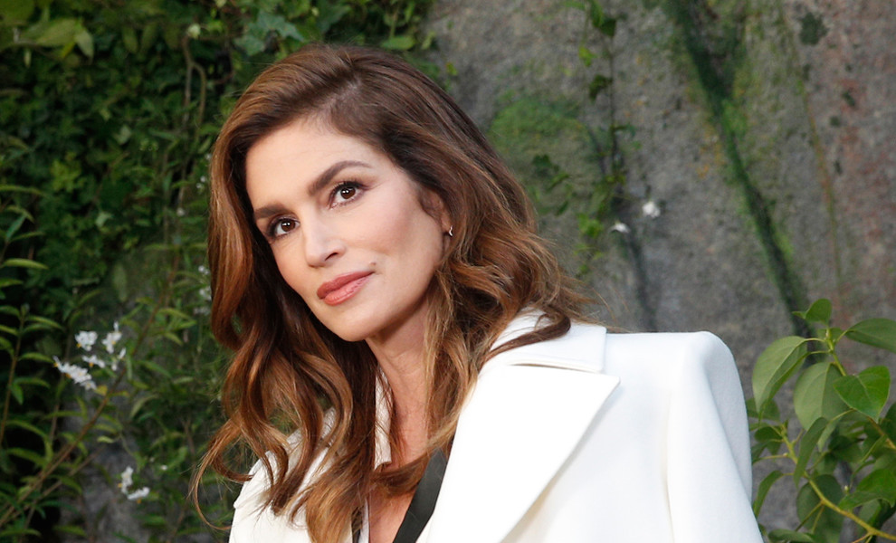 Cindy Crawford y su look más casual para viajar